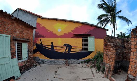 Cuộc sống làng chài được khắc họa trong một bức họa tại Tam Thanh